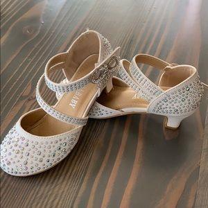 Size 11 girls kitten heel shoes